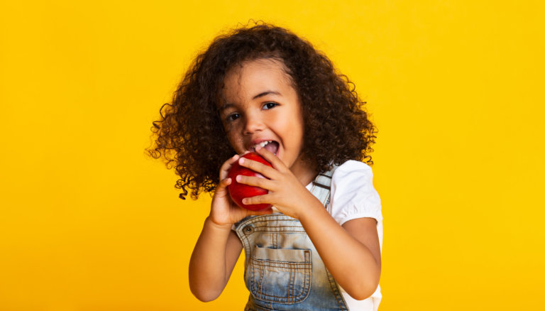 Which Food and Drinks are Healthy for Children's Teeth?
