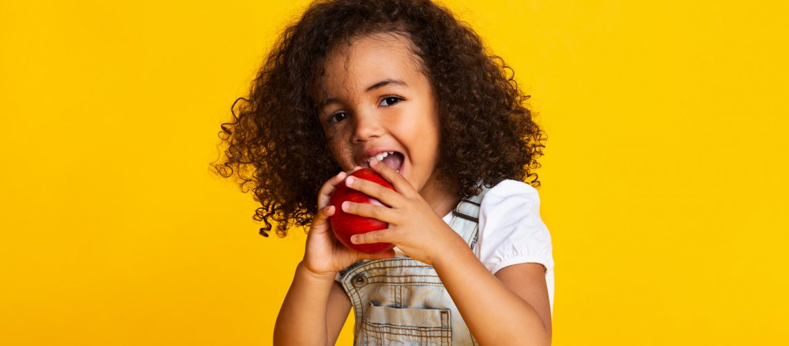 Foods-and-drinks-for-healthy-children's-teeth