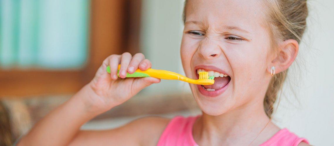 dental-hygiene-adorable-little-smile-girl-SPNMW2N